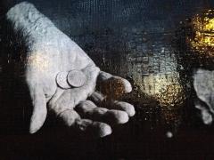leo_hands